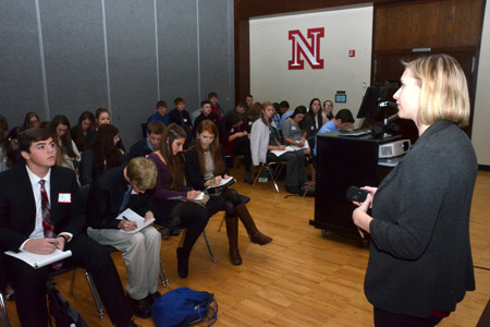 Rachel Larson of CBA Career Services helps students build résumés