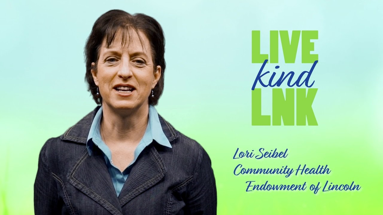 Lori Seibel, president of Community Health Endowment (CHE) of Lincoln, joined the class to talk about the needs within the community.