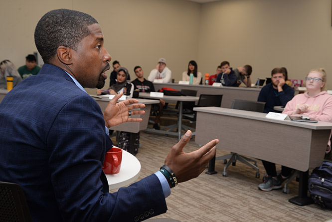 Sedberry spoke to business students as part of the Multicultural Homecoming initiative organized by the Chancellor's Commission on the Status of People of Color.
