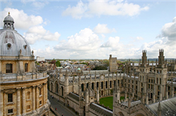 70 Students Study Abroad in Nebraska at Oxford Program